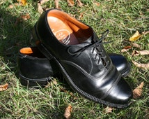VIntage Dack's. Black Toe Cap. Bespoke Shoes.  Leather.  Made in Canada.  Mens Size 6.  Womens 7.5