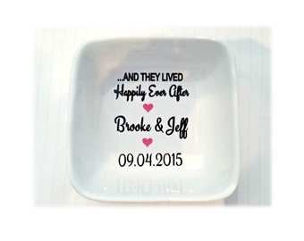 Mr and Mrs Ring Dish, Bride and Groom Ring Dish, Wedding Ring Bowl, Wedding Ring Dish, Ring Holder, Engagement Gift, His & Hers Ring Holder