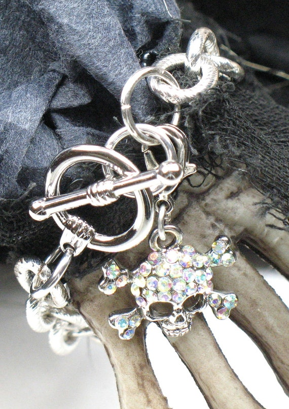 Chunky Chain Bracelet in Silver with Removable Rhinestone Skull and Cross Bones Charm