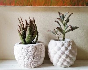 Realistic pineapple planter, Pineapple home accent, pineapple shaped pot, Succulent planter, tropical decor, candle holder