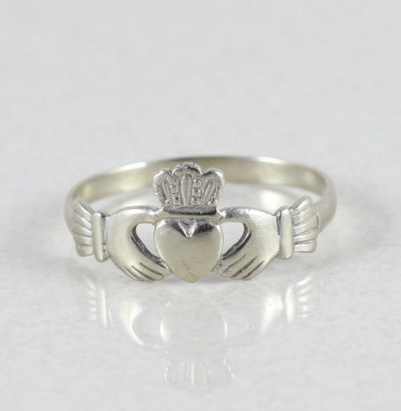 mens 14k white gold irish claddagh ring size 11. Black Bedroom Furniture Sets. Home Design Ideas