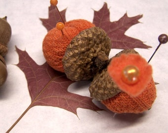 Cute As Can Be Double Pumpkin Pin Cushion with Acorn Caps - PUMPKIN2