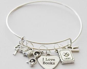 Book Bracelet, Book Lover Gift, Book Bangle, I Love Books Bracelet, Book Lover Jewelry, Book Jewelry, Teacher Gift, Librarian Gift, Jewelry