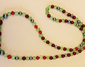 Christmas Holiday Necklace, Beaded Holiday Necklace, 22 inch Beaded Necklace
