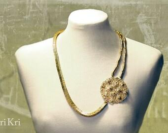 Golden statement necklace with filigree flower pendant, Chain link necklace with golden flower pendant, flower necklace, flower jewelry