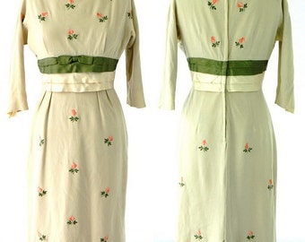 1950s Vintage Ladies Blanes Beige Knit Embroidered Wiggle Dress Size S/M