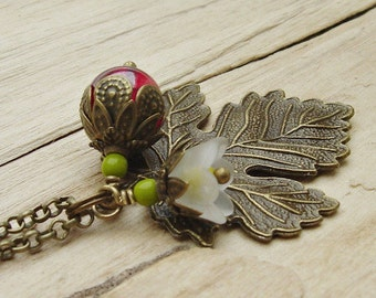 Necklace bronze leaf fruit blossom vintage style