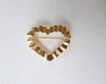 Gold Heart Pin Brooch Wavy Heart Large Gold Vintage Heart Pin Brooch Jewelry