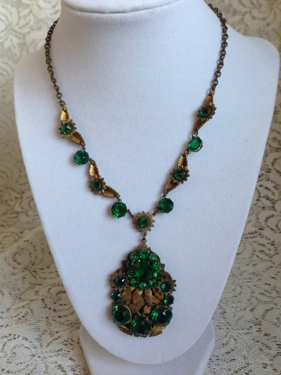 Antigue Brass Filigree with Emerald Green Stones Pendant Necklace