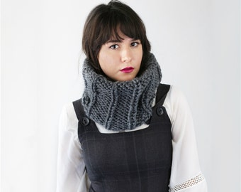 Chunky Knit Circle Scarf - Ribbed Knit Cow Scarf for Fall - Neckwarmer in Charcoal | The Neso Cowl |
