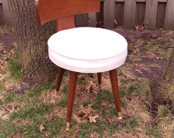 Petite Mid Century White Faux Leather Wood Swivel Stool Chair 1650