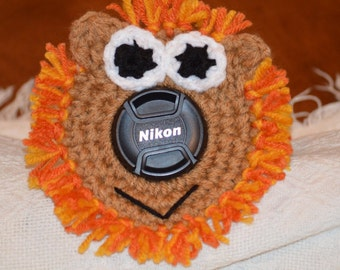 Lion camera buddy, shutter cover,photography prop, lens buddy, lens cover, camera pet, lion, crochet lion,shutter, camera supplies