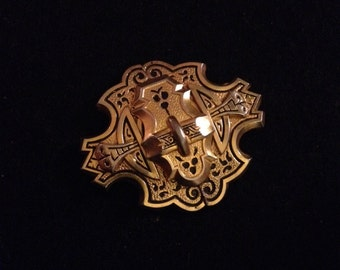 Antique Victorian Taille D'épargne Gold Toned Etched Brooch