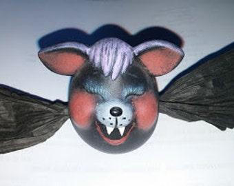 """Ceramic Bat """"Eggs-Pression"""""""