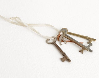Vintage Set of Skeleton Keys on Ribbon, Skeleton Key Lot with Four Large and Two Small