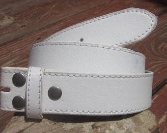 Size * medium 33-35 white distressed vintage leather belt strap