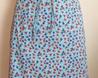 1970s Pretty Floral/Gingham Print Mini Skirt with Tie