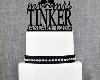 Mr and Mrs Skull Last Name Wedding Cake Topper with Date, Unique Personalized Cake Topper, Modern Mr and Mrs Wedding Cake Topper- (T269)