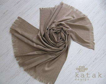 blanket wool scarf, woven beige scarf with fine floral motifs.