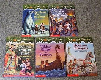 Magic Tree House by Mary Pope Osborne Collection of Five Scholastic Softcover Books Issue 12 - 16 Excellent Condition