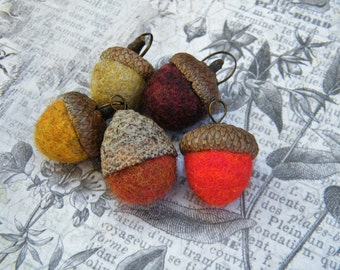 NEW! Felted Wool Acorn Pendant with Real Red Oak Acorn Caps, Medium/Large Size, ONE Pendant, Fall Pendants, Acorn Pendants, Felted Wool