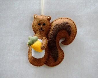 Squirrel Ornament Red Squirrel Felt Squirrel Ornament Fall Ornament Christmas Squirrel Decor Squirrel Lover Animal Ornament Woodland Decor