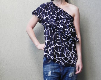 SALE, Off The Shoulder Top, Summer Top, Black and White Top, Printed Top, Four Way Top, Womens Top, Beach Top, One Size, Boho Top, Tube Top