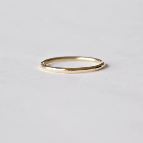 Yellow Gold Halo Ring in 18 Carat Gold