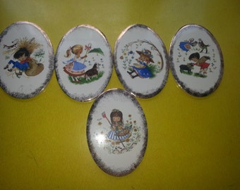 Vintage Set of FIVE 1950s H&R Johnson Ltd England Nursery Rhymes Gold Dusted Wall Plaque