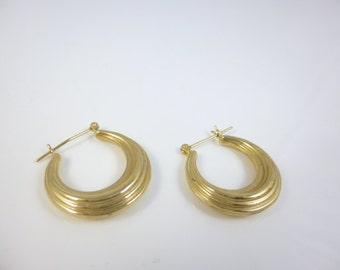 Gold Hoop Earrings, 14kt Gold Hoop Earrings, Gold Hoops, Vintage