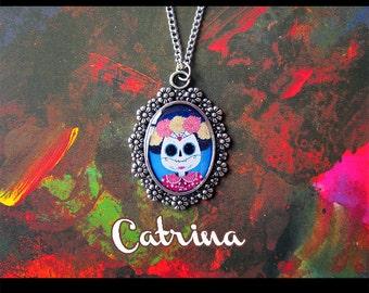 Necklace with cameo: Catrina