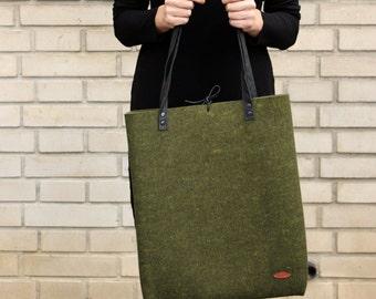 Wool felt tote bag, black and green