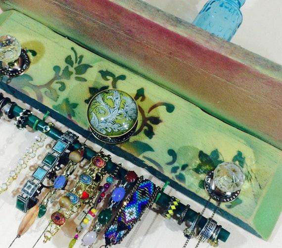 Floating shelves /jewelry holder/ hanging shelf /shelving wall organizer reclaimed pallet wood Art Deco flowers 3 knobs 2 hooks bracelet bar