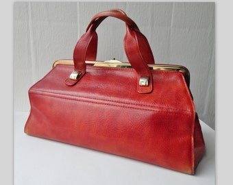 Vintage Bon Goút Leather Handbag // Danish Design