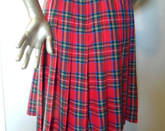 Vintage Red Tartan Plaid Pleated Skirt * Size 16 . Polyester & Rayon . Retro . KAREN SCOTT . Made in Taiwan R.O.C.
