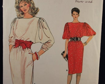 Very Easy Vogue 8734 Sewing Pattern for a Woman's Dress in Size 8-10