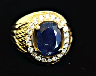 18 kt Large Sapphire Ring with Cubic Zirconia