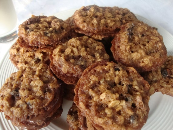 Oatmeal Currant Lace Cookies with Nutella - Sandwich Cookies - Cookies ...