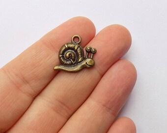 10 Snails charms - Antique Bronze - #B0040