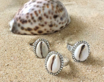 Cowry ring - Adjustable ring with cowry shell