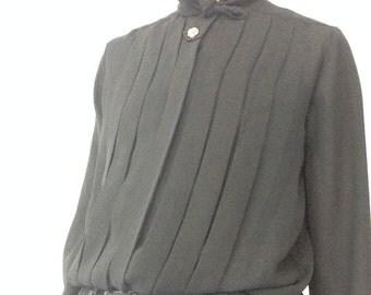 70s secretary blouse - mad men style - bow blouse - black - high collar - button up - pleats - minimalist - size 6 / small / medium