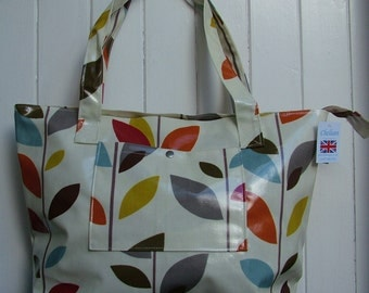 Evergreen Large Oilcloth Zipped Bag