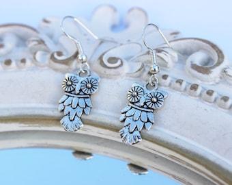 Owl earrings, owl dangle earrings, dangle earrings, bird earrings, owl charm earrings, silver plated, owl jewellery, animal earrings