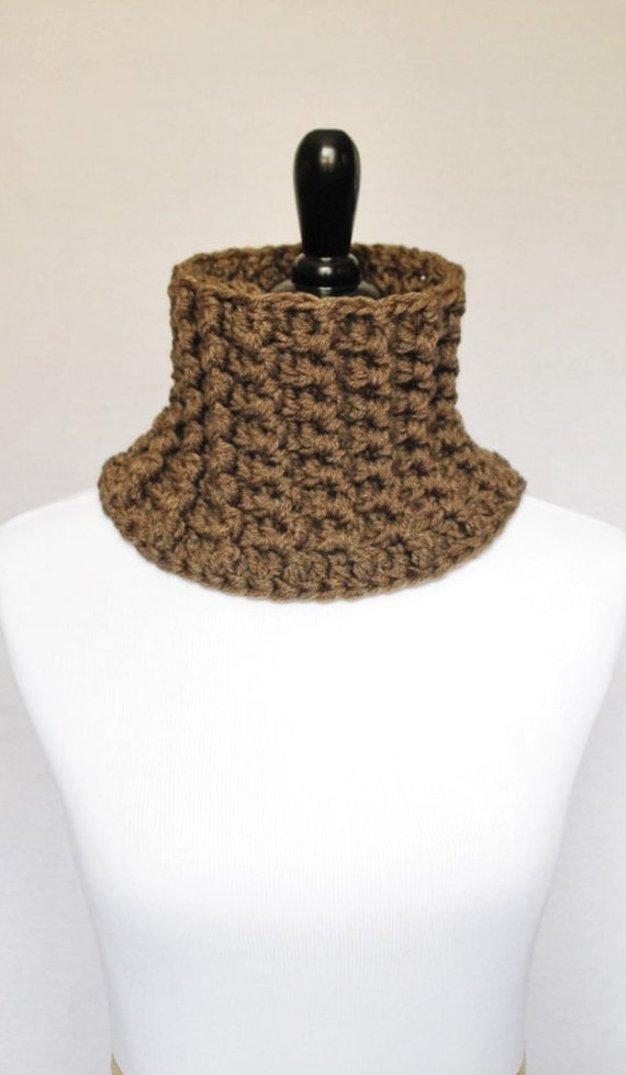 SALE! Brown Ribbed Crochet Cowl, Unisex Neck Warmer, Short Infinity Scarf, Snug Taupe Collar Scarf, Outlander Inspired Ribbed Cowl