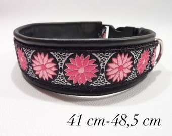 Dog collar / pink flowers
