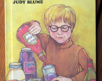 Freckle Juice/Judy Blume/Sonia Lisker/Weekly Reader Books/Children's Hardcover story/story about freckles/chapter book with illustrations