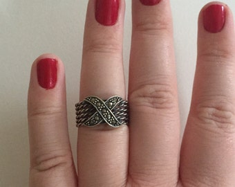 Vintage Marcasite and Oxidized 925 Sterling Silver X Basket Ring