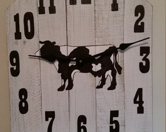 Reclaimed wood cow wall clock farmhouse shabby chic rustic pallet
