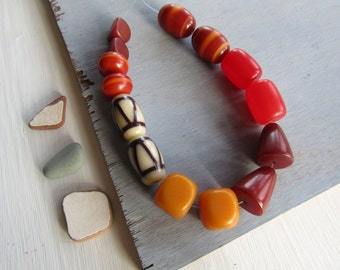 resin bead mix, brown red yellow tone, faux amber,  geometric chunky indonesian resin beads  15 to 30mm (14 beads) 6bbmix