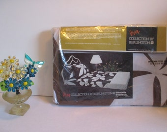 Vintage VERA Collection by Burlington  - One Twin Fitted Sheet - Beautiful Floral & Butterfly Pattern - New in Package Vintage